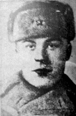 Малоземов Иван Прокопьевич, гв. лейтенант, командир танковой роты