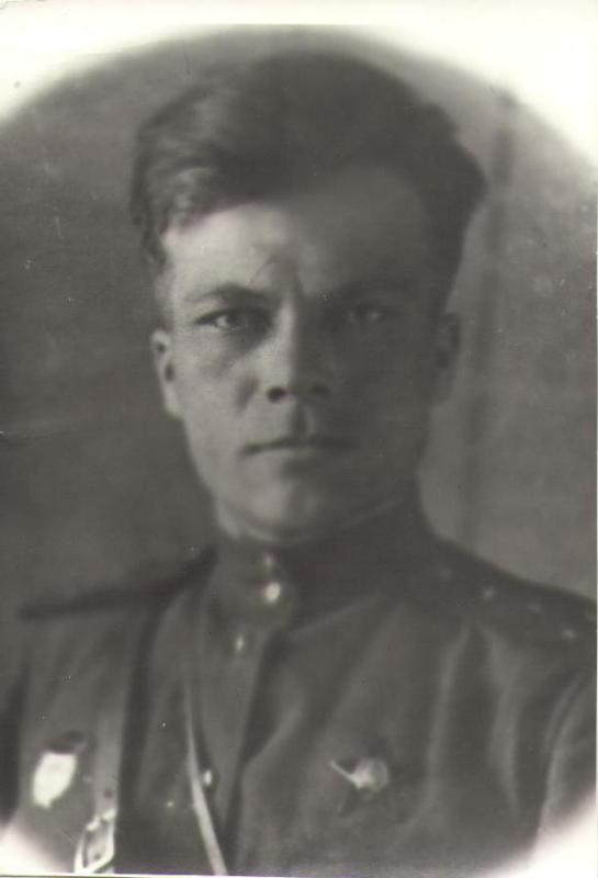 Грабченко Михаил Дорофеевич, ст. лейтенант, секретарь партбюро 1 танкового батальона